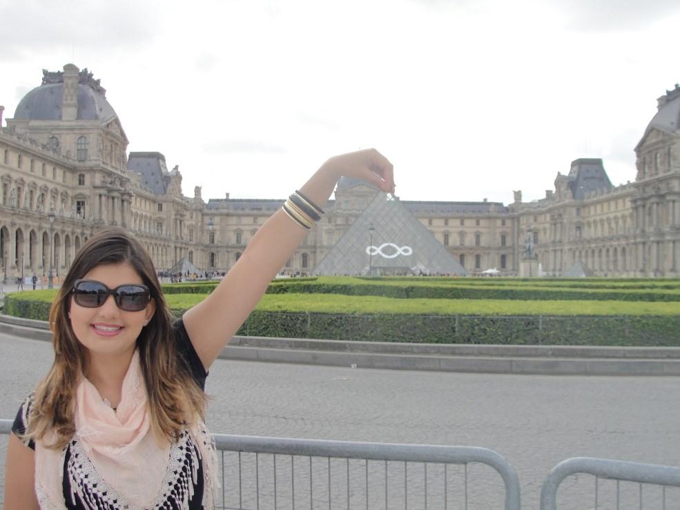 3 Pirâmide Louvre