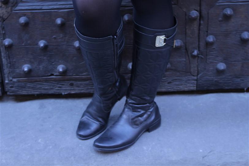 Look saia de couro preta (5)