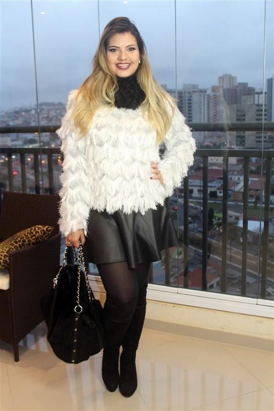 Look Blusinha de pelinhos brancos (2)