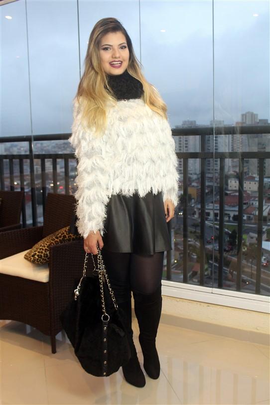 Look Blusinha de pelinhos brancos (3)