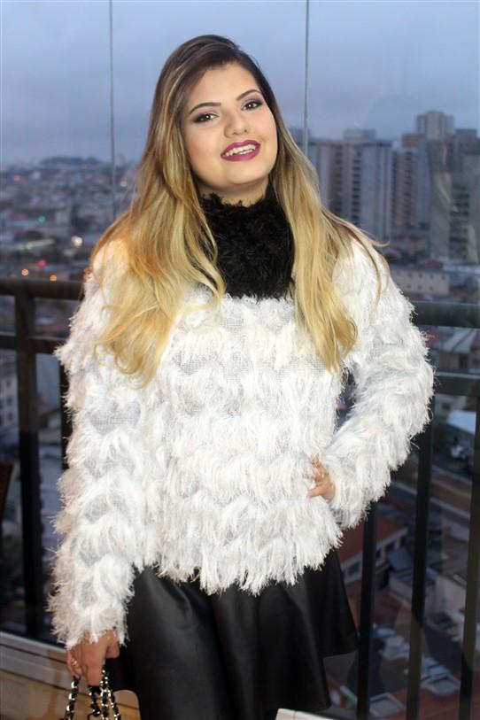 Look Blusinha de pelinhos brancos (4)