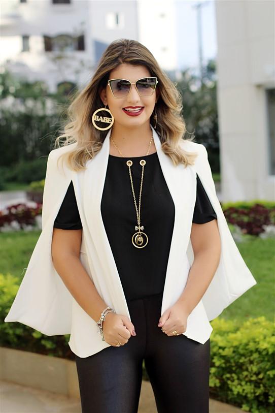 Look calça flare e blazer capa branco (7)