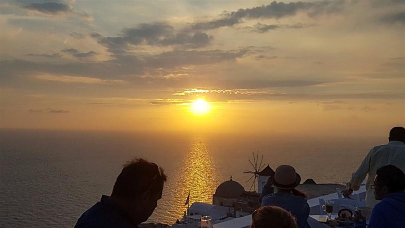 Roteiro de 3 dias em Santorini 2 dia (17) pôr do sol em Oía